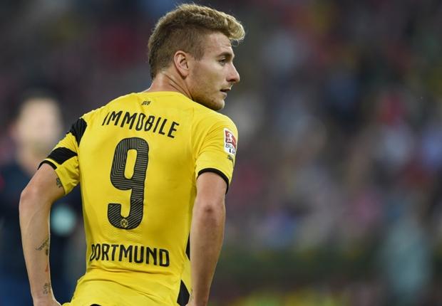 Liverpool to sign Dortmund striker in the summer