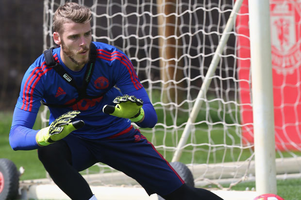 David De Gea has been DROPPED by LVG because he cannot focus on his job