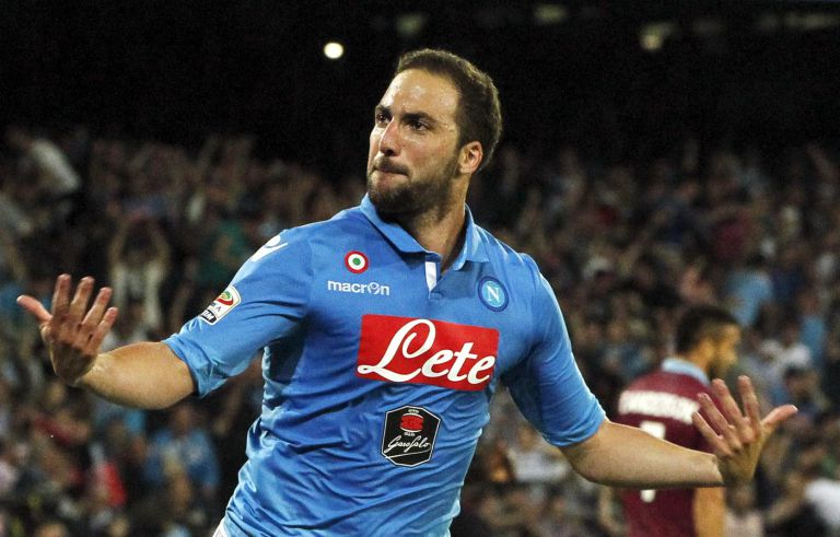 Manchester United and Arsenal target REFUSES to sign a new contract with Napoli