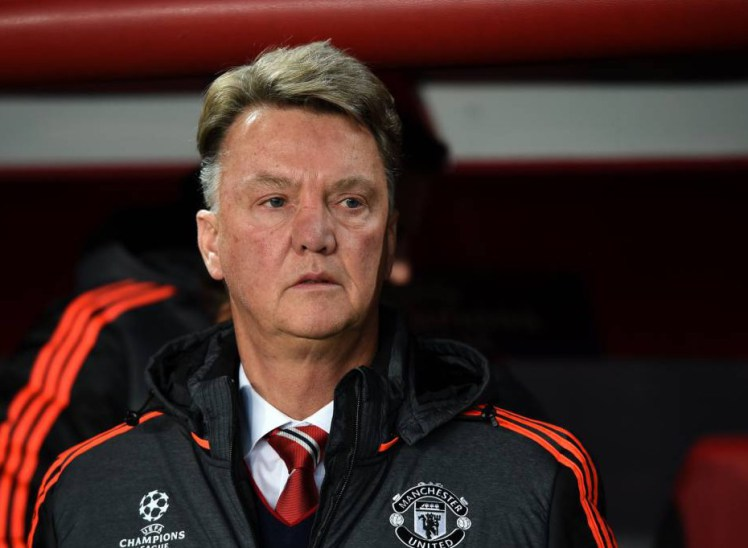 LVG tells his players to ignore the Manchester United fans (video)