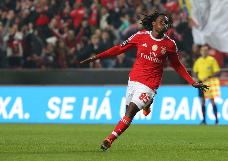 Man United SHOCKED as Arsenal plan to Hijack Benfica Deal