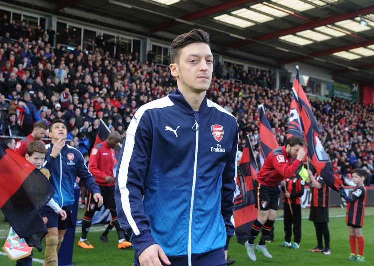 Arsenal transfer news and gossip as Ozil prepares to talk with Barcelona